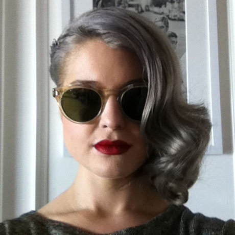 Kelly Osbourne With SideSwept Wavy Gray Hair Wearing Sunglasses Amp Red L